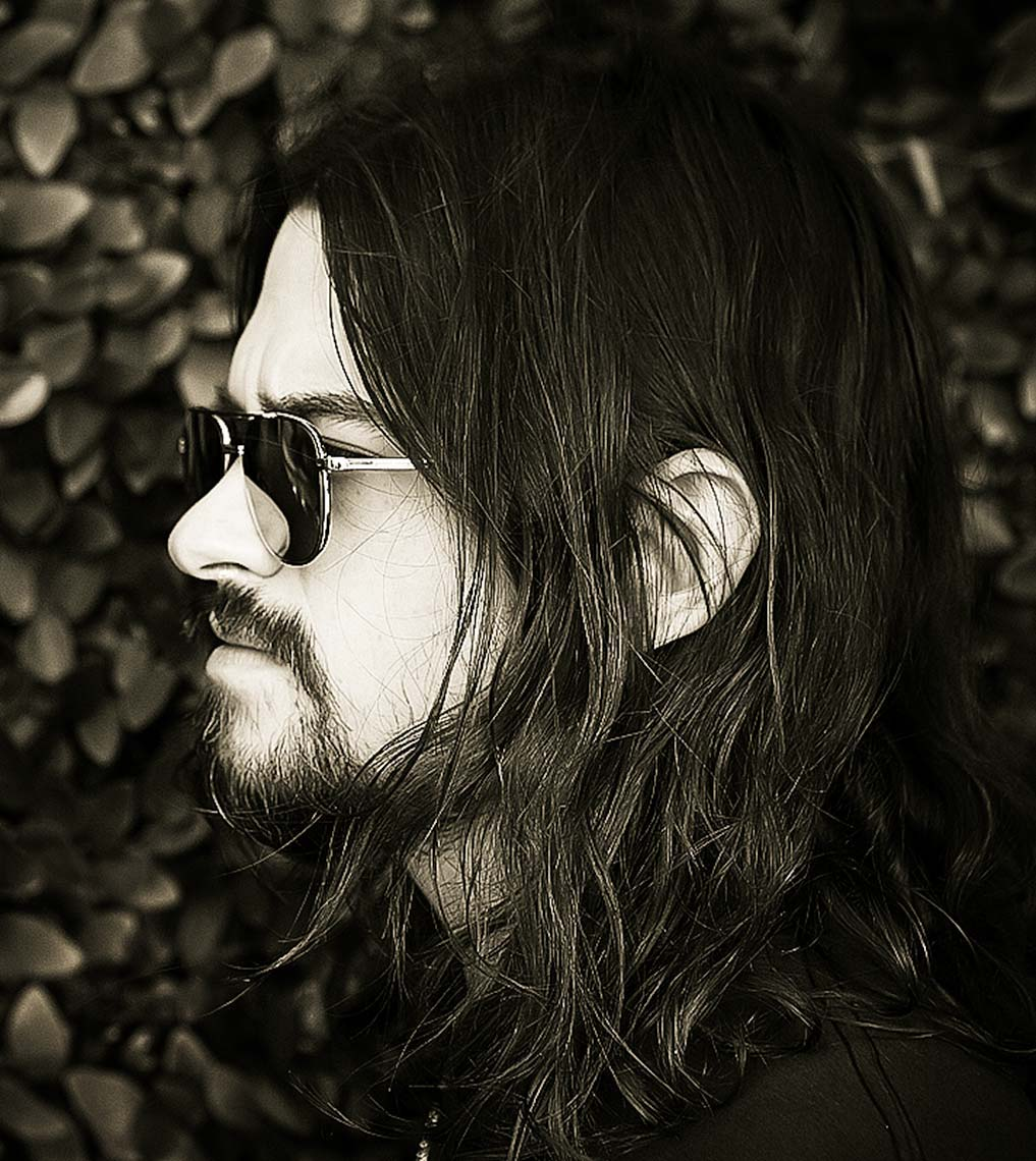050814_shooter_jennings_leaves_4web